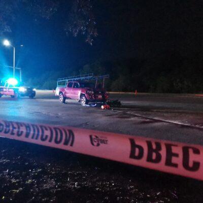 Arrolla conductor ebrio a motociclista en Playa del Carmen; muere en el lugar