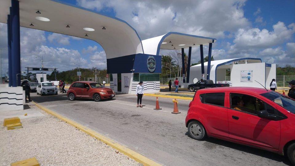 Liberan a pasajeros de combi que trasladaba marihuana en Chetumal