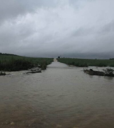 CHETUMAL Y COMUNIDADES RURALES, BAJO EL AGUA: Lluvias provocan desgarramiento de cerro en carretera La Unión-Rovirosa; identifican 24 puntos críticos