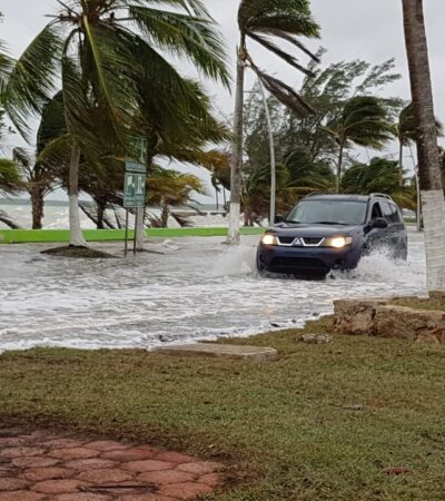 SIGUE EFECTO PLEAMAR EN BAHÍA DE CHETUMAL: Operativo de seguridad por aumento de oleaje en Mahahual y la capital de QR
