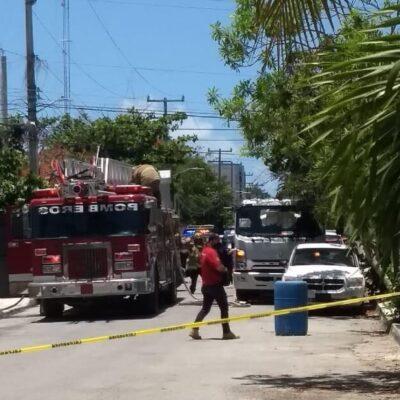 Estallido en un taller mecánico provoca incendio de tres vehículos en Playa del Carmen
