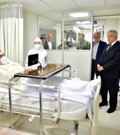 Con montaje y 'actores' fingiendo ser enfermos de COVID-19, Presidente Obrador recorre hospital en Morelos