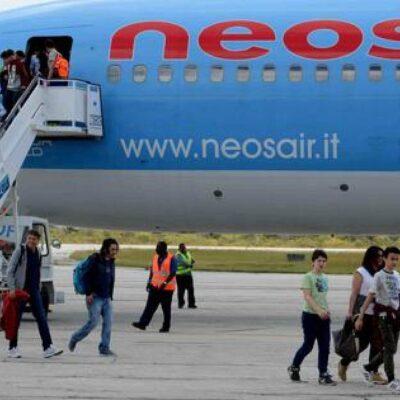 Aguardan en Aeropuerto de Cancún primer vuelo de Italia desde inicio de pandemia