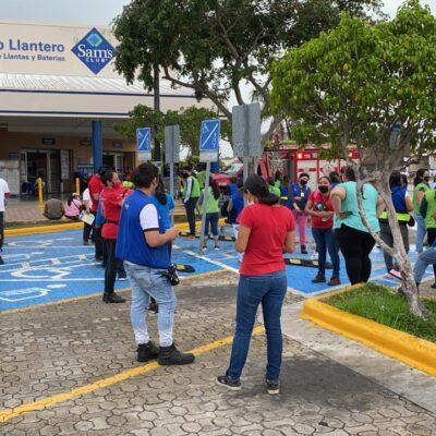 CONATO DE INCENDIO: Evacúan por humo el Sam's Club de Playa del Carmen