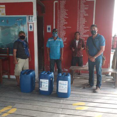 Sanitizan embarcaciones de prestadores de servicios náuticos en Holbox