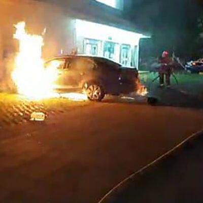Hallan policías otro vehículo en llamas en Cozumel
