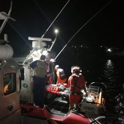 Rescata Marina a tripulante herido de buque extranjero cerca de Isla Mujeres