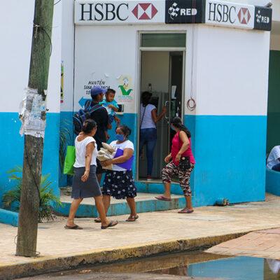 En José María Morelos habitantes y comerciantes se olvidan del COVID-19