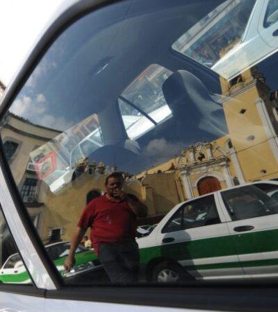 Muere mujer en un taxi mientras era trasladada a una clínica en Xalapa
