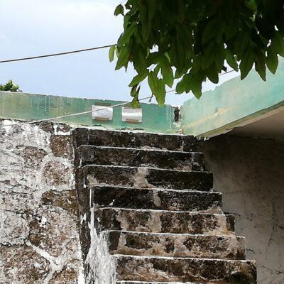 Se derrumba techumbre de almacenamiento de agua en Cozumel