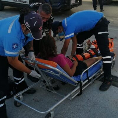 ACCIDENTE EN PLAYA: Se lesiona mujer al meter pie en cadena de moto y conductor la abandona