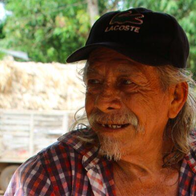 HISTORIAS DE LA ZONA MAYA: 'Don Perdido', el santo y seña de un hombre de 70 años que sobrevive recorriendo los caminos del Mayab
