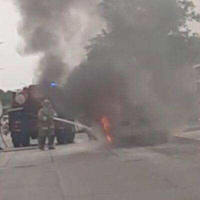 Se incendia automóvil en fraccionamiento Real Ibiza de Playa del Carmen