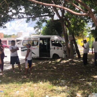 LOS SORPRENDIÓ CUANDO LA AMAGABAN CON UN CUCHILLO: Sujeto impide asalten a su esposa y logra que detengan a ladrones tras peliculesca persecución en Cancún