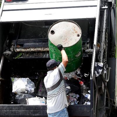 SE SIGUEN AMONTONANDO LOS DESECHOS: Programa emergente de recoja de basura llega a 90 colonias de Cancún, pero no es suficiente