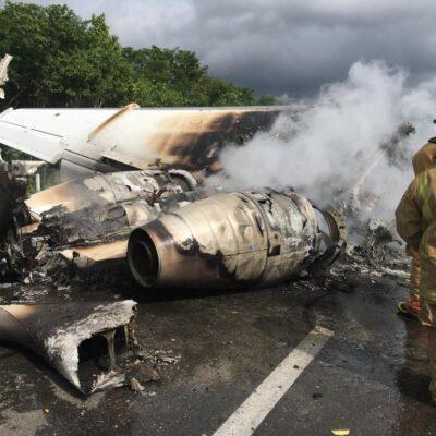 HABRÍAN ESCAPADO CON PARTE DEL CARGAMENTO DE AERONAVE: Incautan casi 400 kilos de droga transportada en jet que aterrizó en carretera de QR, pero otras camionetas evadieron vigilancia militar