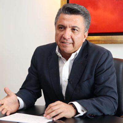 CAMPECHE: Raúl Aarón Pozos Lanz renuncia al PRI tras 38 años de militancia; 'coquetea' con Morena