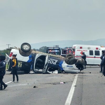 Sobrecupo y exceso de velocidad habrían provocado la muerte de cuatro policías en Guanajuato