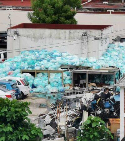 Denuncian 'montaña' de basura hospitalaria en Centro Médico del IMSS en Veracruz