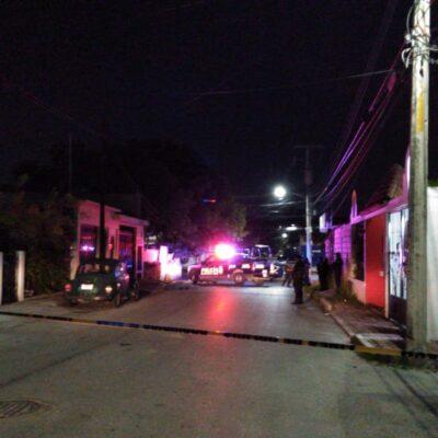 SICARIOS LO INTERCEPTARON EN MOTOCICLETA Y LO BALEARON: Ejecutan a un joven en la Región 232 de Cancún