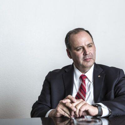 Rifa del avión presidencial fue el 'fraude del siglo', asegura Gustavo de Hoyos