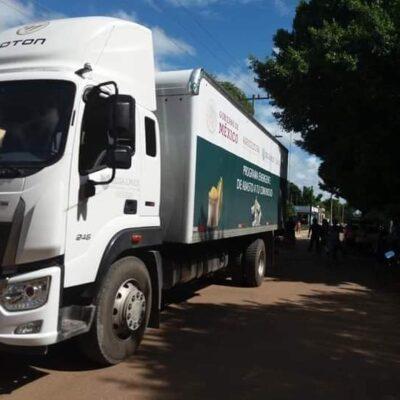 EL PUEBLO SE CANSA DE PROMESAS NO CUMPLIDAS: Detienen en la Zona Maya camión de ayuda social como medida de presión para que reparen camino en JMM