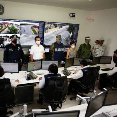 Constatan avances de modernización del subcentro C5 y entrega de patrullas a policías de Cozumel