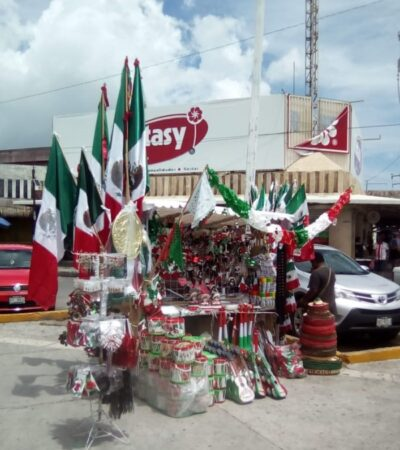 Tradicional venta de banderas y objetos patrios sufre caída del 60 por ciento debido a la contingencia en Cancún