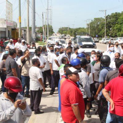 Llegan taxistas y mototaxistas a una frágil 'tregua' en Cancún