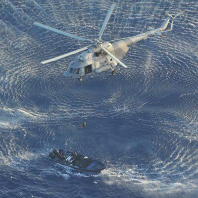 INTERCEPTAN CARGAMENTO DE COCAÍNA EN ALTAMAR: Asegura la Armada casi 3 toneladas de droga a 136 kilómetros al este de Mahahual