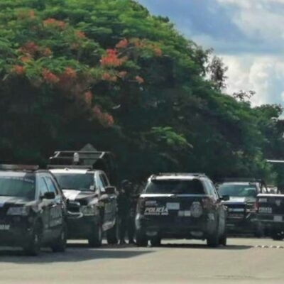 Disparan policías contra sujeto armado en Playa del Carmen
