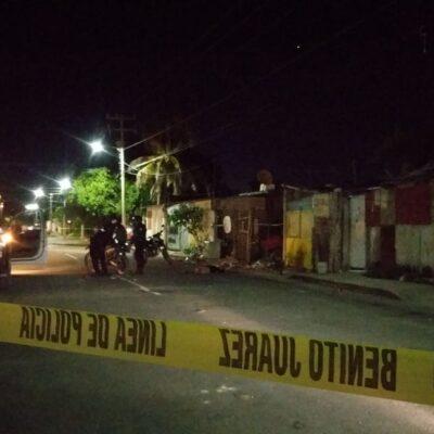 JUEVES VIOLENTO EN CANCÚN: Acuchillan a un hombre en la SM 227; muere en la calle