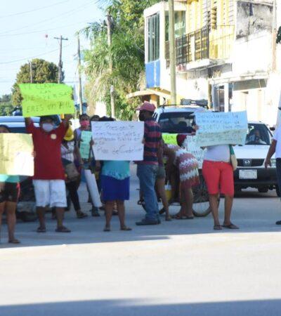 PROTESTA EN FCP: Colonos exigen a José Esquivel Vargas cumplir sus promesas de campaña