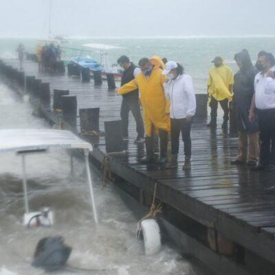 Supervisan atención a la población durante el paso de la tormenta tropical 'Gamma' en Puerto Morelos