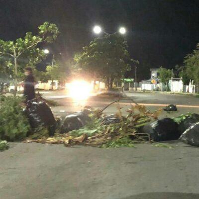 SEGUNDA NOCHE DE DESESPERACIÓN EN CANCÚN: Bloquean la 20 de Noviembre por falta de electricidad