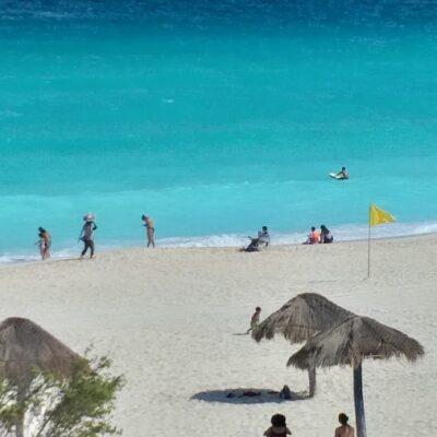 Comenzarán diálogos con concesionarios para evitar privatización de playas en QR tras decreto presidencial