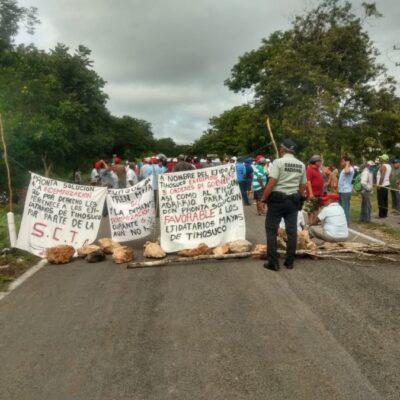 TERCER BLOQUEO EN LA CARRETERA TIHOSUCO-VALLADOLID: Tras recibir negativa de la SCT, ejidatarios advirtieron que no levantarán la toma de vía hasta que les paguen por el uso de sus tierras