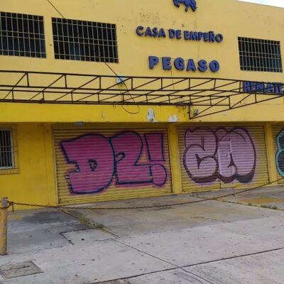 GALERÍA | Tras la tormenta, negocios de la Portillo de Cancún optan por permanecer cerrados
