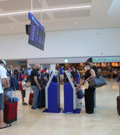 HAY 500 TURISTAS VARADOS EN CANCÚN: Por el huracán 'Delta', aerolíneas cancelaron o pospusieron vuelos