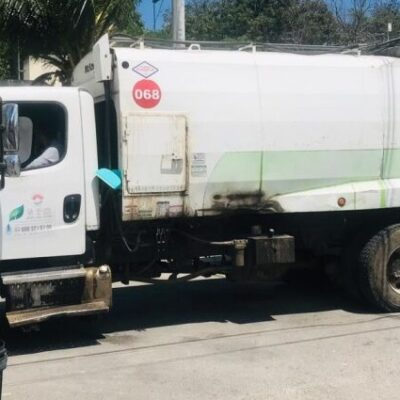 Reactivan el servicio de recolección de basura en Cancún, pero continúan quejas