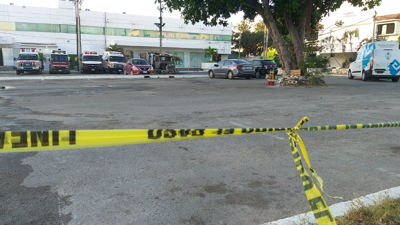 ATACAN HOSPITAL EN CANCÚN: Queman dos ambulancias y dejan amenazas por no pagar  derecho de piso contra clínica privada Playamed   Noticaribe